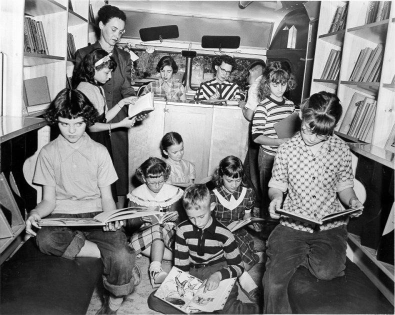 bookmobile_1953(lg)5
