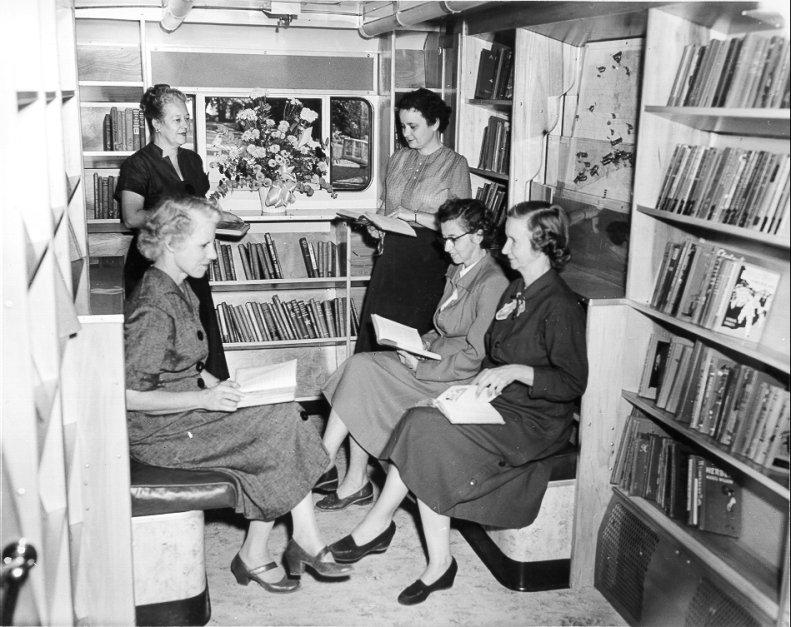 bookmobile_1953(lg)6